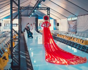 Viet fashion week 2016 advance Beauty College 9